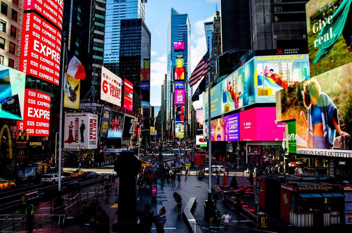 When to use digital signage